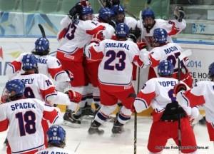 IIHF U18 World Championship 2014 Finland  1/2 Final CAN-CZE   David Kase #8 , Jiri Smejkal , Dominik Masin #27 , Michael Spacek #18 , Radek Vesely #19
