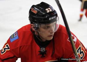 Anton Babchuk - Calgary Flames 2012 ⒸAndreas Robanser/Puckfans.at