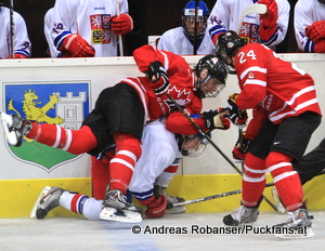 Pre Game Ivan Hlinka Memorial CZE - CAN Graham Knott #18 , Mitchell Marner #24  © Andreas Robanser/Puckfans.at