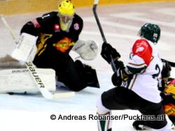 Vienna Capitals - Farjestad BKChampions Hockey LeagueMatt Zaba #1, Jakub Klepis #20