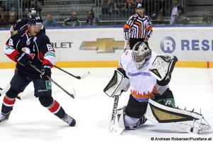 Slovan Bratislava - Severstal CherepovetsKHL  Milan Bartovic #61, Jakub Stepanek #33 © Andreas Robanser/Puckfans.at