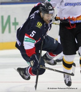 Jonathan Sigalet  #5 Slovan Bratislava KHL saison 2014/15 © Andreas Robanser/Puckfans.at