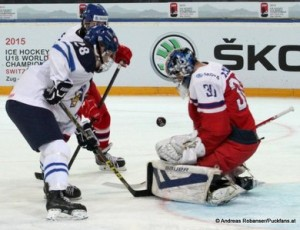 IIHF U18 World Championship FIN - CZE Julius Mattila #28, Daniel Vladar  #30 © Andreas Robanser/Puckfans.at