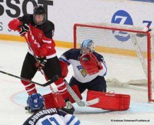 IIHF U18 World Championship CAN - FIN Pierre-Luc Dubois #8,  Veini Vehviläinen #1 © Andreas Robanser/Puckfans.at
