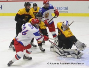 IIHF U18 World Championship Eisportzentrum Luzern, RUS - GER Ivan Yemets #24, Mirko Pantkowski #1 © Andreas Robanser/Puckfans.at