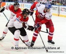 IIHF World Championship 2015 Preliminary Round CZE - AUT Manuel Latusa #15, Jaromír Jágr #68 © Andreas Robanser/Puckfans.at