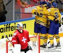 IIHF World Championship 2015 Preliminary Round SWE - SUI Forsberg #9, Leonardo Genoni #63 © Andreas Robanser/Puckfans.at