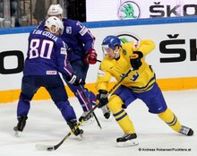 IIHF World Championship 2015 Preliminary Round SWE - FRA Teddy Da Costa #80, Antoine Roussel #21, Filip Forsberg #9 © Andreas Robanser/Puckfans.at