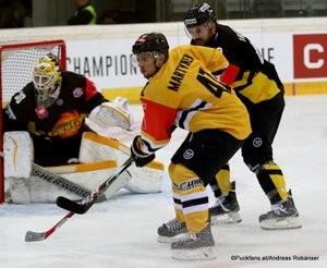 Champions Hockey League Vienna Capitals - HC Litvinov Albert Schultz Halle David Kickert #30, Rostislav Martynek #41, Florian Iberer #48 ©Puckfans.at/Andreas Robanser