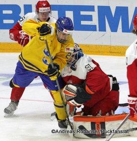 IIHF World Junior Championship 2016 Finland/Helsinki, Helsingin Jäähalli    SWE - DEN Joel Eriksson Ek #20, Matias Lassen  #5, Thomas Lillie #31 ©hockeyfans.ch/Andreas Robanser