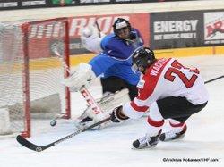 IIHF U20 World Championship Div I Group A Albert Schultz-Eishalle ITA - AUT ARMAND PILON Simone #1, WACHTER Daniel #23 Andreas Robanser/IIHF.com