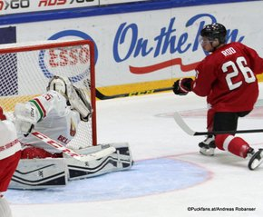 IIHF World Junior Championship 2016 Finland/Helsinki, Helsingin Jäähalli Relegation Game 2 BLR - SUI Vladislav Verbitsky #25, Noah Rod #26 ©Puckfans.at/Andreas Robanser