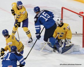 IIHF World Junior Championship 2016 Finland/Helsinki, Hartwall Arena Semifinal SWE - FIN Antti Kalapudas #21, Andreas Englund #6, Linus Söderström #30, Mikko Rantanen #15 ©Puckfans.at/Andreas Robanser