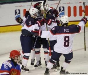2016 IIHF U18 World Champioship RUS - USA Ralph Enhelstad Arena, Grand Forks Mikhail Kozlov #15, Clayton Keller #19, Adam Fox #8 ©Puckfans.at/Andreas Robanser