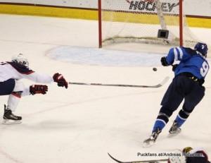 2016 IIHF U18 World Championship Semifinal USA - FIN Ralph Engelstad Arena, Grand Forks Jesse PuljuJarvi #9 ©Puckfans.at/Andreas Robanser