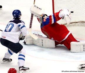 2016 IIHF World Championship Russia, VTB Ice Palace, Moscow  Semifinal FIN - RUS Sebastian Aho #20, Sergei Bobrovski #72 ©Puckfans.at/Andreas Robanser