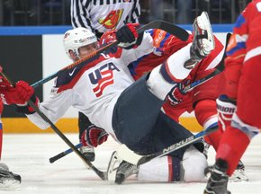2016 IIHF World Championship Russia, VTB Ice Palace, Moscow Bronze Medal Game RUS - USA Matt Hendricks #23, Sergei Kalinin #40 ©hockeyfans.ch/Andreas Robanser