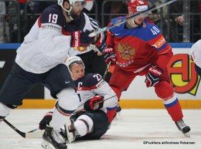 2016 IIHF World Championship Russia, VTB Ice Palace, Moscow Bronze Medal Game RUS - USA Matt Hendricks #23, Sergei Kalinin #40 ©Puckfans.at/Andreas Robanser