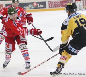 Vienna Capitals - HCB Südtirol Taylor Vause #19, Tyler Cuma #19 EBEL Saison 2015-16 ©Puckfans.at/Andreas Robanser