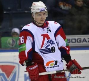 Sergei Plotnikov #16 Lokomotiv Yaroslavl 2013-2014 ©Puckfans.at/Andreas Robanser