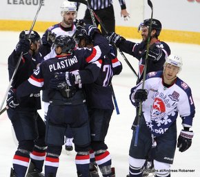 HC Slovan Bratislava -Torpedo Nizhny Novgorod Slovnaft Arena Nick Plastino #23, Jeff Taffe #20, Kyle Chipchura #24, Vladimir Galuzin #10 ©Puckfans.at/Andreas Robanser