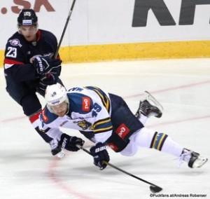 HC Slovan Bratislava - HK Sochi Slovnaft Arena Nick Plastino #23, Ben Maxwell #49 ©Puckfans.at/Andreas Robanser