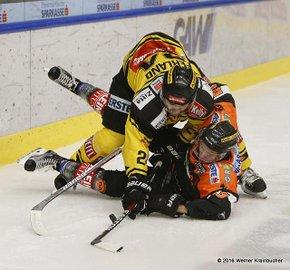 Graz 99ers - Vienna Capitals Jonathan FERLAND & Alexander FEICHTNER ©Werner Krainbucher