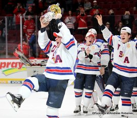 IIHF World Juniors Championship 2017 Gold Medal Game USA - CAN Team USA, Luke Kunin #9, Jack Roslovic #28 Centre Bell, Montreal ©Puckfans.at/Andreas Robanser