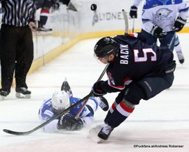 Slovan Bratislava - Barys Astana Nigel Dawes #9, Patrik Bacik #5 Ondrej Nepela Arena ©Puckfans.at/Andreas Robanser