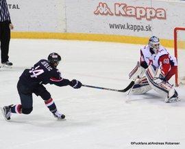 Slovan Bratislava - Lokomotiv Yaroslavl  Ondrej Nepela Arena Ziga Jeglic #14, Alexander Sudnitsin #60 ©Puckfans.at/Andreas Robanser