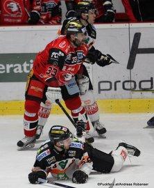 EBEL Qualifikations Runde HC Orli Znojmo - Graz 99ers Peter Pucher #33, Alexander Feichtner #58 ©Puckfans.at/Andreas Robanser