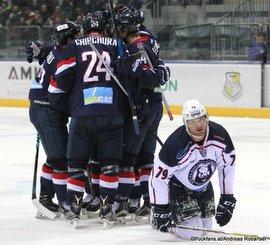 Slovan Bratislava - Medvescak Zagreb Kyle Chipchura #24, Derek Smith #79 Ondrej Nepela Arena ©Puckfans.at/Andreas Robanser