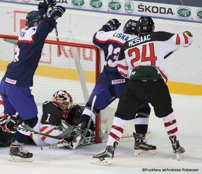 IIHF U18 World Championship 2017 CAN - SVK Adam Liska #23, Ian Scott #1, Jared McIsaac #24 ZS Poprad, Slovakia ©Puckfans.at/Andreas Robanser