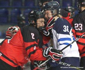 IIHF U18 World Championship 2017 FIN - CAN Jett Woo #8, Olli Maansaari #36 ZS Poprad, Slovakia ©Puckfans.at/Andreas Robanser
