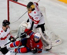 IIHF World Championship 2017 NOR - SUI Leonardo Genoni #63, Alexander Bonsaksen #47 Paris, Bercy ©Puckfans.at/Andreas Robanser