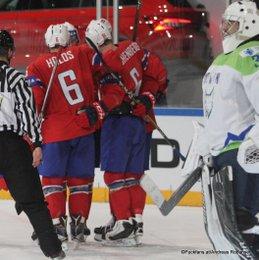 IIHF World Championship 2017 SLO - NOR Jonas Holos #6, Alexander Reichenberg #61, Gasper Kroselj #32 Paris, Bercy ©Puckfans.at/Andreas Robanser