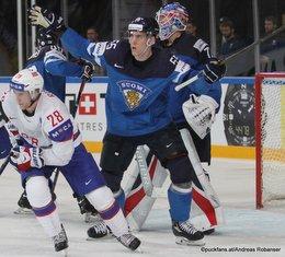 IIHF World Championship 2017 NOR - FIN Andreas Martinsen #24, Atte Ohtamaa #55, Joonas Korpisalo #70 Paris, Bercy ©Puckfans.at/Andreas Robanser