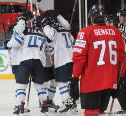 IIHF World Championship 2017 SUI - FIN Ville Lajunen #47, Veli-Matti Savinainen #19, Joel Genazzi #76 Paris, Bercy ©Puckfans.at/Andreas Robanser
