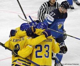 IIHF World Championship 2017 Semifinal SWE - FIN John Klingberg #3, Oliver Ekman Larsson #23, Mika Pyörälä #37 Köln, Lanxess Arena ©Puckfans.at/Andreas Robanser
