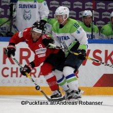 IIHF World Championship 2017 SUI - SLO Thomas Rüfenacht #9, Ales Music #16 ©Puckfans.at/Andreas Robanser