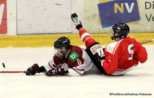 Test U18: Österreich - Lettland Peter Sivec #5, Patriks Marcinkevics #6 Eissportzentrum St.Pölten ©Puckfans.at/Andreas Robanser