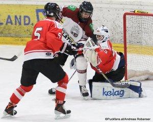 Test U18: Österreich - Lettland Peter Sivec #5, Alexander Schmidt #25 Eissportzentrum St.Pölten ©Puckfans.at/Andreas Robanser