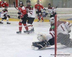 Test U18: Österreich - Lettland Arturs Silovs #1, Leon Kleiss #21 Eissportzentrum St.Pölten ©Puckfans.at/Andreas Robanser