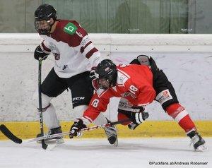Test U18: Österreich - Lettland Artjoms Koppass #4, Fabian Hochegger #18 Eissportzentrum St.Pölten ©Puckfans.at/Andreas Robanser