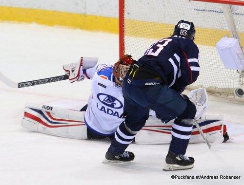 HC Slovan Bratislava - Lada Togliatti  Lukas Kaspar  #83, Anton Krasotkin #20 Ondrej Nepela Arena ©Puckfans.at/Andreas Robanser