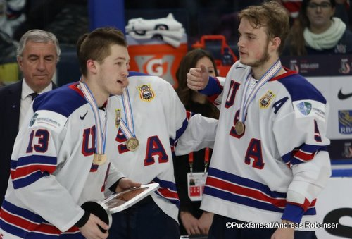 IIHF World Juniors 2018 BronJoey Anderson #13, Ryan Lindgren #5 KeyBank Center ©Puckfans.at/Andreas Robanser