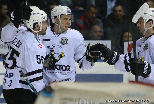 HC Slovan Bratislava - Traktor Chelyabinsk Nick Bailen #55, Alexei Kruchinin #78 Ondrej Nepela Arena ©Puckfans.at/Andreas Robanser