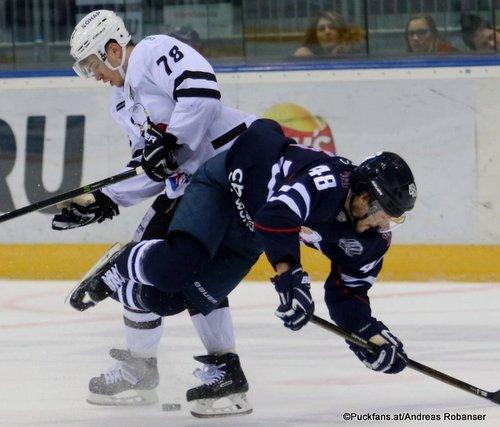 HC Slovan Bratislava - Traktor Chelyabinsk Alexei Kruchinin #78, Ryan Garbutt #48 Ondrej Nepela Arena ©Puckfans.at/Andreas Robanser