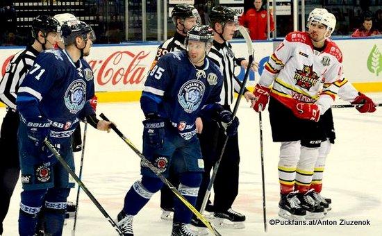 Dinamo Minsk - Kunlun Red Star Artyom Volkov #85, Alexander Pavlovich #71, Cory Kane #47 ©Puckfans.at/Anton Ziuzenok