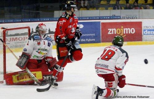 Qualifikationsrunde:  HC Orli Znojmo - HC Bozen Pekka Tuokkola #3, Ryan Olsen  #9 Nevoga Arena Zimní Stadion, Znojmo ©Puckfans.at/Andreas Robanser